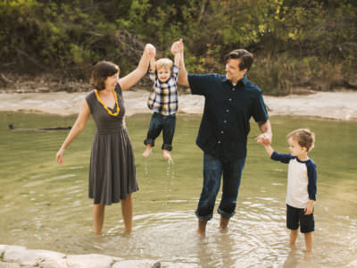 Cozy Holiday family mini sessions at Bull Creek Park in Austin, Texas